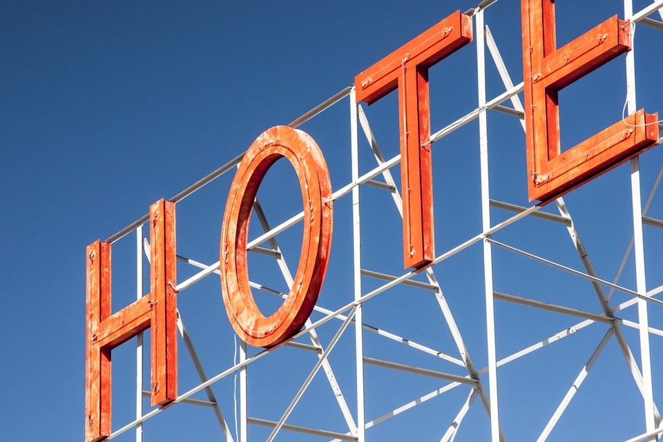 hotel-238506_960_720